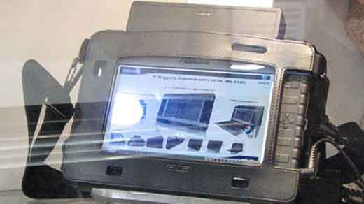 (Image: Asus Rugged UMPC; Credit: www.gottabemobile.com) Asus presented Hermes, a rugged 7-inch UMPC, during COMPUTEX Taipe 2007. When it called rugged, it mean the UMPC is shock/vibration/dust-resistance and also water-proof suitable for outdoor use (Military Standard: MIL-STD-810F). The new Hermes powered by VIA C7-M processor, optional SSD, and LED screen. […]