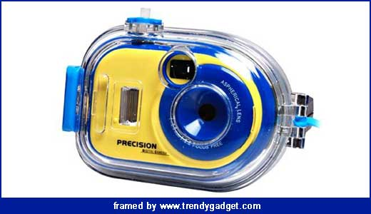 It is not for scuba diver as it is only waterproof up to 3 meters. Powered by 2 AA batteries, this camera features automatic white balance and flash setting so you won`t need much effort to take a snap while you swim. Bundled with £50 price tag, the underwater digicam […]