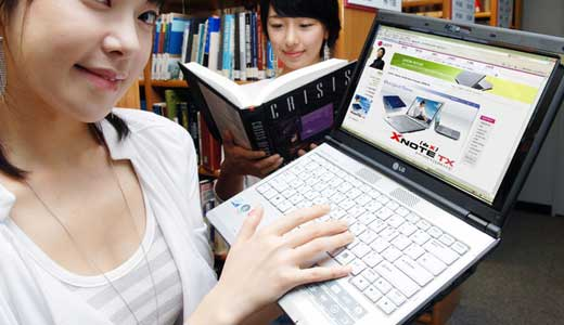 Today, i repeat, today as reported by Akhabaranews.com, LG showed to the public its new laptop: LG X-Note E200. The laptop configured with 12.1-inch screen so it must be lightweight (see the girl can lift it with single hand and still smiling). Coming with integrated 1.3 megapixels of web camera, […]