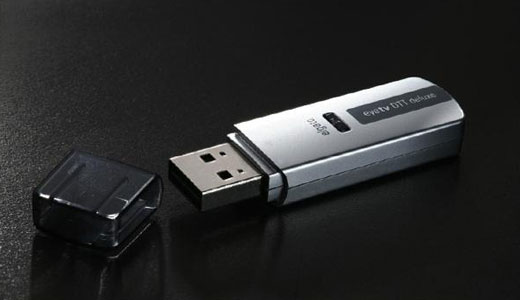 Elgato has new interesting thing for Mac users. They just released the EyeTV DTT Deluxe TV Tuner that allows users to watch TV on Mac at 1080i. Just plug the tuner to the USB port to use it. The EyeTV packed with a remote control and priced at £70. Read