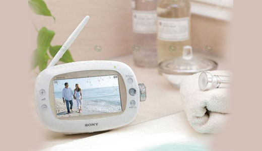 The new portable TV from Sony, Bravia XDV-W600 allows you to watch TV while taking a bath. Yes you're right, this device is waterproof so you don't need to be affraid of the water breaking the electricity. Still available in Japan only, the XDV-W600 configured with 4-inch LCD screen, digital […]