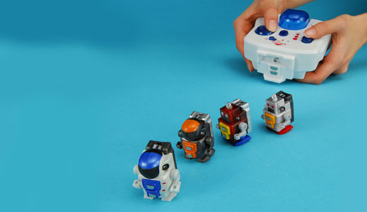 The Takara Tomy's Robo-Q is the world's smallest bidpedal robot. Controlled by infrared remote control, this robot features magnetic feet and built-in tiny speaker. Available in two different types -retro and future, it's expected to hit the shelves in late fabruary. Read