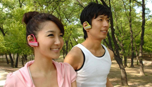 The fashionable Walkman W series (NWZ-W202) has been launched by Sony in Korea. The walkman which looks like a bluetooth headset, features a new 'Zappin' song-browsing tech and a jog wheel. Weighing in at only 35gr, the 2GB W202 available in black, violet, pink, lime green and white. Priced at […]