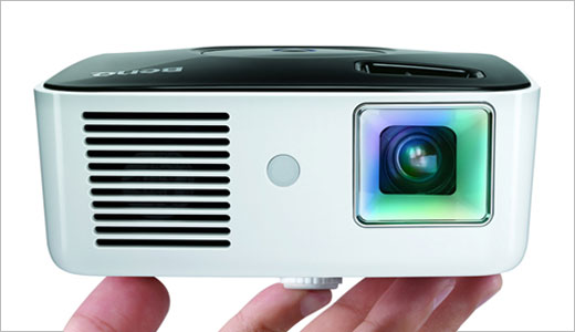 It's small and tiny, yess you can hold it on the palm of your hand easily. Measuring 3.6×5.4x12cm, the BenQ's GP1 3LED Video Projector will start selling in Japan next week for $713. This device able to read videos and photos from a USB thumbkey and project it. Read