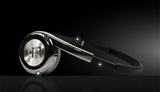 Designed and developed for iPod, MP3 players and other portable sound devices, the foldable Zino Ultrasone Headphones comes with Aluminium nameplate and applied diamond cut logo. This headphones equipped with S-Logic Natural Surround Sound and MU Metal shielding. A solid Zino hard case also included for easy storage and safe […]