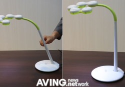 Available in white and black colors, the LED stand light – Enfren 'Free Style' is very flexible. It comes with 4 fixed circular devices, and because 2 circular devices can move to the right and left by 56 degrees, it can be freely transformed in such type as stright types […]