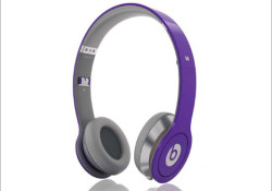 Justin Bieber has launched Justbeats™ headphones by Dr. Dre™, exclusively at Best Buy. The headphones also express Justin's signature style by offering both on-ear and in-ear versions in Justin's favorite color purple. The Justbeats on-ear headphones and iBeats in-ear headphones include high tech features such as ControlTalk so that users […]
