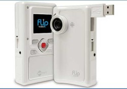 Available in two different models, the Pure Digital's Flip Video utilizes multimedia software for easy editing and uploading to YouTube video sharing. About the pricing, the first model set at $120 US dollars and the second one set at $150. Both available in US market, but others country (include UK) […]