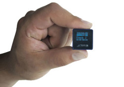 The dimension is only 24mm x 24mm x 24mm and weighs only 18 gram, but you can play your favorite music in 5 hours without recharging as it is powered by 3.7 lithium battery. This Ultimate Smallest MP3 player has 2GB storage or equal to 200 hours of music, and […]