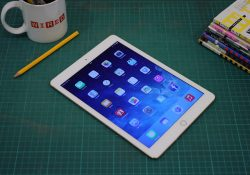 When the 2018 iPad Pro was released, Apple created a big gap in its iPad lineup. The budget iPad is great for those who are looking for an affordable tablet for everyday use, but it lacks the power to do more advanced tasks such as video editing and multitasking. The […]